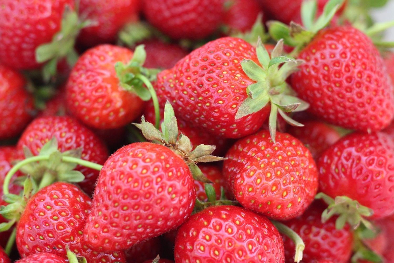 6 Genius Ways to Grow Strawberries