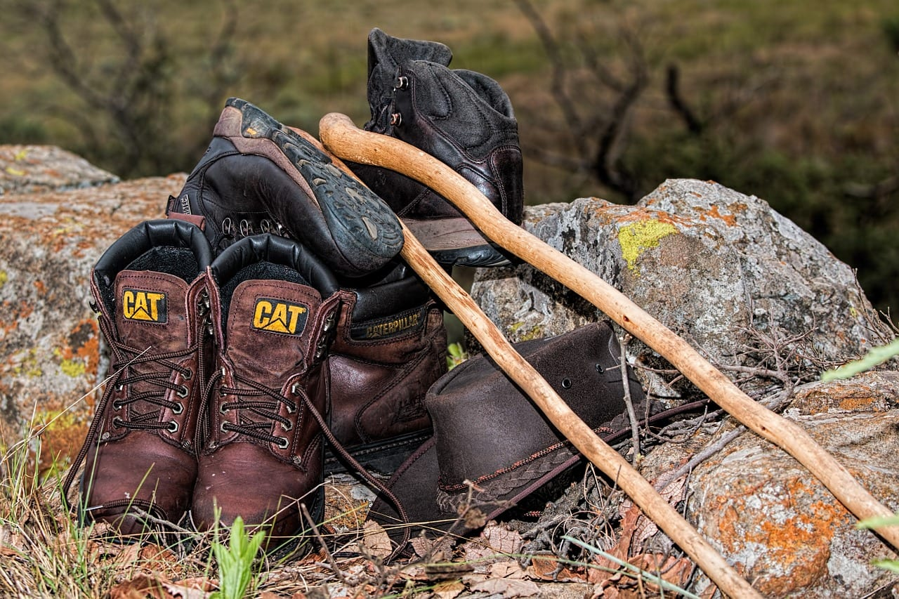 Real Self-Sufficiency's Complete Walking Boot Buying Guide